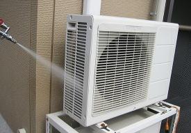 エアコンの室外機の掃除の仕方は?故障しないため …